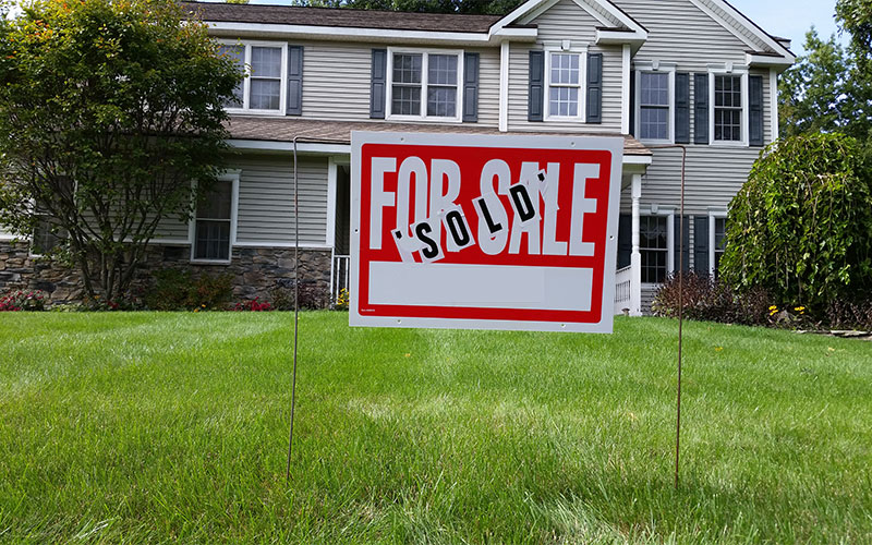 CALL US TODAY TO TURN THAT 'FOR-SALE' SIGN INTO A 'SOLD' SIGN !!